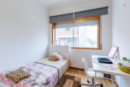 Suite , private bathroom,single bedroom,near Pólo Universitário subway  - Gallery -  1