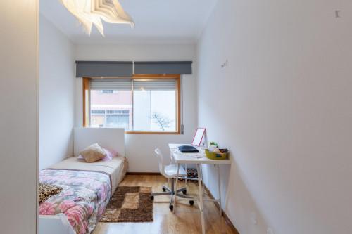Suite , private bathroom,single bedroom,near Pólo Universitário subway  - Gallery -  3