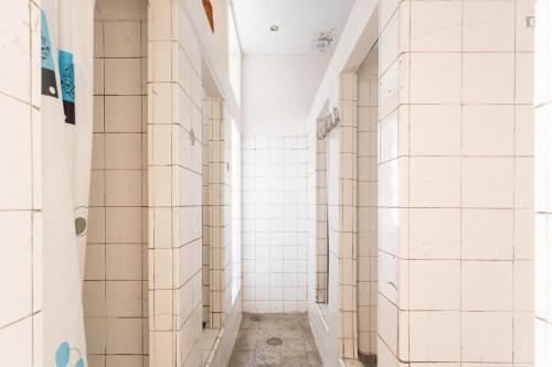 Welcoming double bedroom close to Universidade do Porto  - Gallery -  9