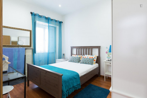 Sunny and charming one-bedroom apartment in the very center of Porto  - Gallery -  1