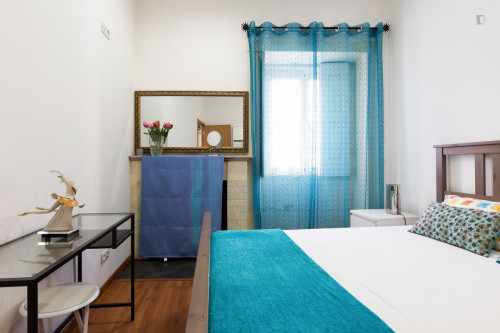 Sunny and charming one-bedroom apartment in the very center of Porto  - Gallery -  2