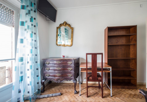 Very nice double bedroom near the Arroios metro  - Gallery -  3