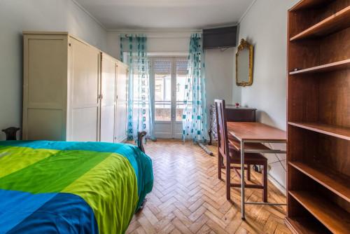 Very nice double bedroom near the Arroios metro  - Gallery -  2