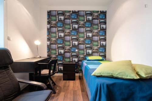 Tasteful single bedroom near Universidade Autónoma  - Gallery -  2
