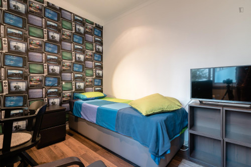 Tasteful single bedroom near Universidade Autónoma  - Gallery -  3