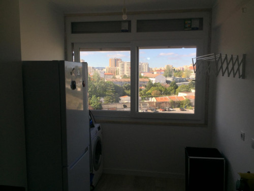 Very nice double bedroom with a balcony, in Alvalade  - Gallery -  8