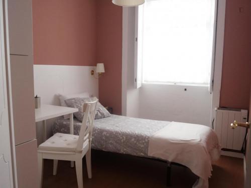 Very nice single bedroom in Porto center  - Gallery -  1