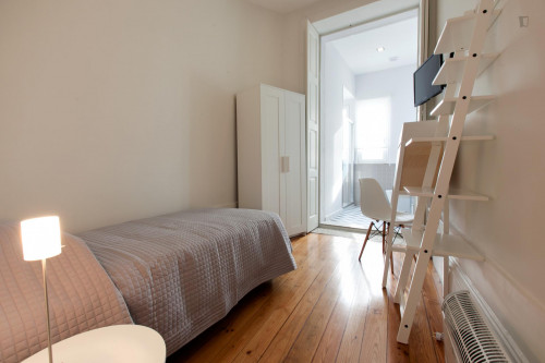 Superb Single Bedroom Private Bathroom 2 mins from 24 de Agosto Metro station  - Gallery -  1