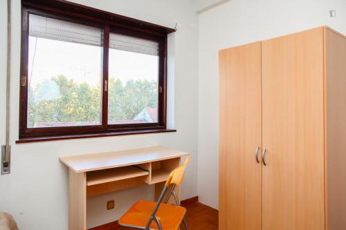 Suitable single bedroom in a 5-bedroom apartment, next to Universidade de Coimbra  - Gallery -  3