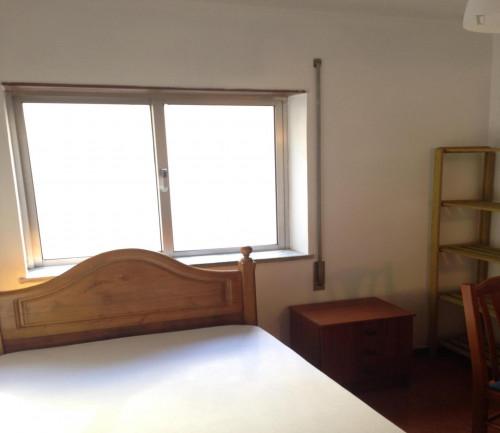 Cool single bedroom close to Universidade de Coimbra