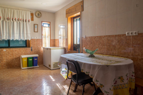 Welcoming double ensuite bedroom near the Contumil metro  - Gallery -  8