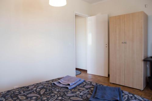 Wonderful double bedroom with a balcony near Universidade Lusíada Porto  - Gallery -  5