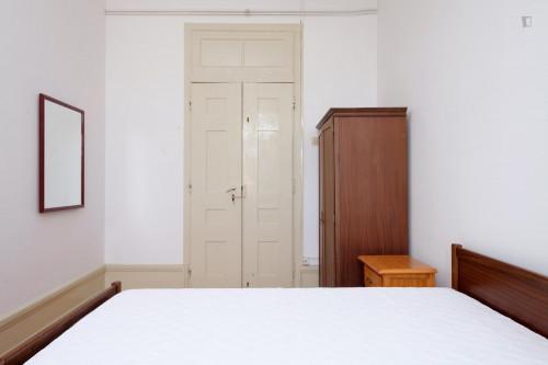 Welcoming single bedroom close to Faculdade De Economia  - Gallery -  6