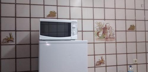 Very Spacious bedroom close to Faculdade de Medicina da Universidade de Coimbra  - Gallery -  5