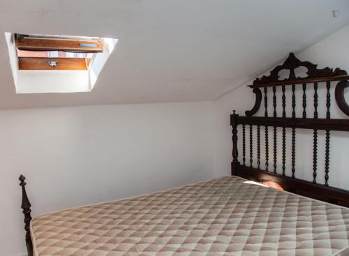 Well-lit twin bedroom in Arregaça  - Gallery -  3