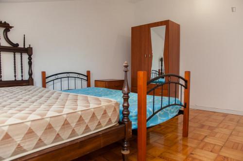 Well-lit twin bedroom in Arregaça  - Gallery -  2