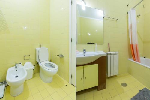 Welcoming single bedroom near Parque de Santa Cruz  - Gallery -  9