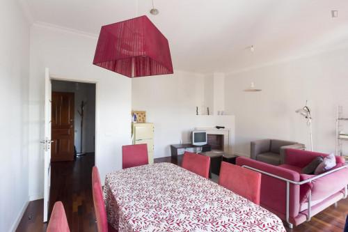 Welcoming single bedroom near Parque de Santa Cruz  - Gallery -  4
