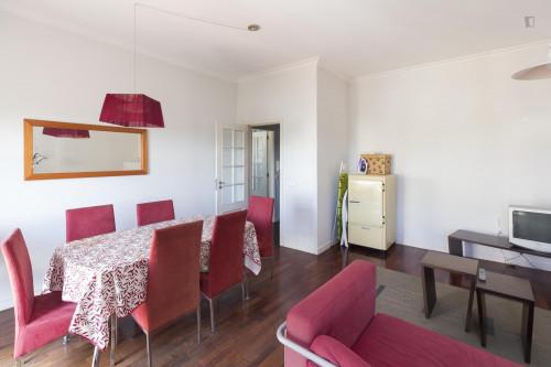 Welcoming single bedroom near Parque de Santa Cruz  - Gallery -  5