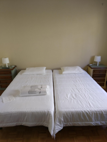 Multiple beds bedroom, with private bathroom, in 4-bedroom house