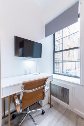 Trendy Double Bedroom in 2-Bedroom Apartment near Subway  - Gallery -  3