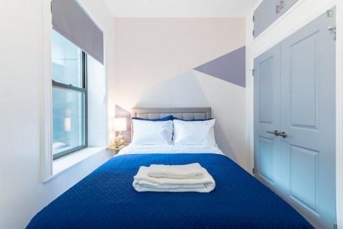 Trendy Double Bedroom in 2-Bedroom Apartment near Subway  - Gallery -  1