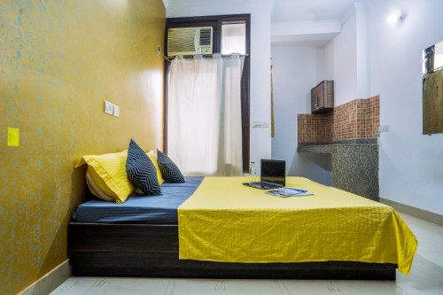 OYO LIFE DEL2154 East of Kailash (Males only)  - Gallery -  2