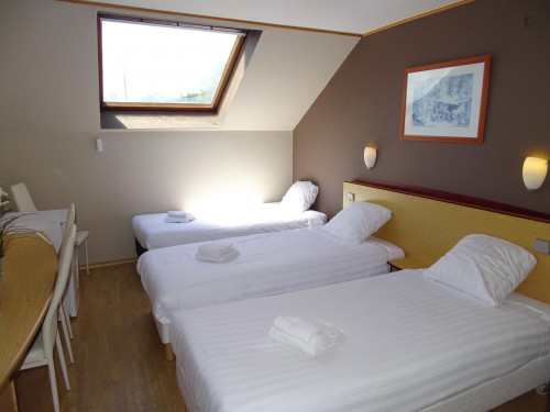 Nice 1-bedroom apartment around Ict Brugge University