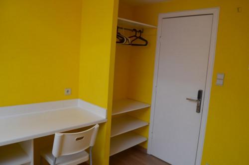 Wonderful studio in a residence near Robiano tram stop  - Gallery -  2