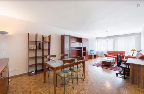 Welcoming 2-bedroom flat in Malombré  - Gallery -  2