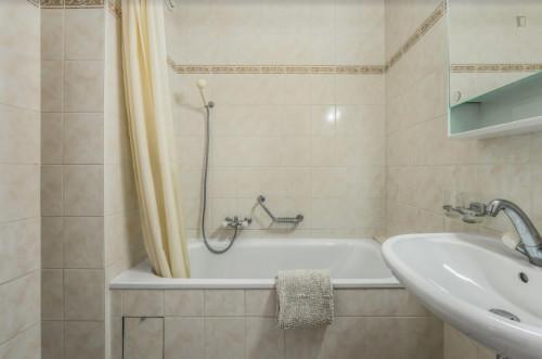 Welcoming 2-bedroom flat in Malombré  - Gallery -  6