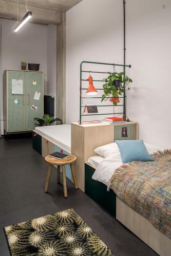 Enjoyable studio in a residence, in Śródmieście