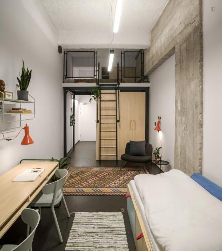 Sublime studio in a residence, in Śródmieście