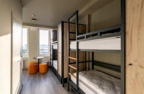 Fantastic triple bedroom in a residence near Szpital Wolski 06 tram stop