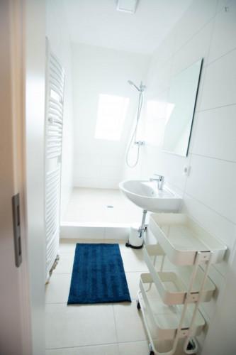 Wonderful single-bedroom in a shared flat in Stuttgart Mühlhausen, near Hofen subway station  - Gallery -  3