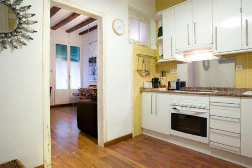 Welcoming 1-bedroom flat in El Raval  - Gallery -  3