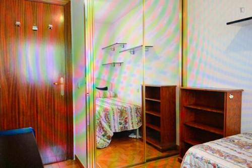 Suitable single bedroom in a 3-bedroom apartment, near the Universidad Juan Carlos - Vicalvaro  - Gallery -  3