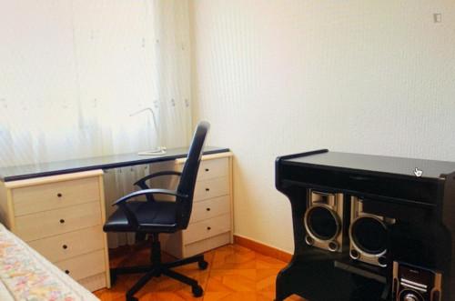 Suitable single bedroom in a 3-bedroom apartment, near the Universidad Juan Carlos - Vicalvaro  - Gallery -  1