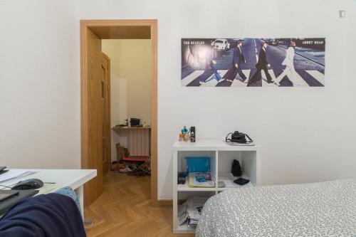Very nice double bedroom near the La Latina metro  - Gallery -  3