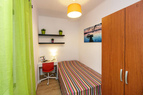 Very nice double bedroom near the Virrei Amat metro  - Gallery -  2