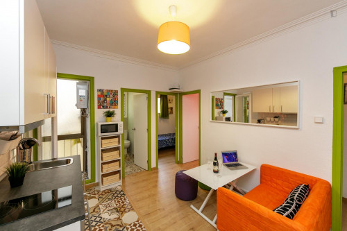 Very nice double bedroom near the Virrei Amat metro  - Gallery -  6