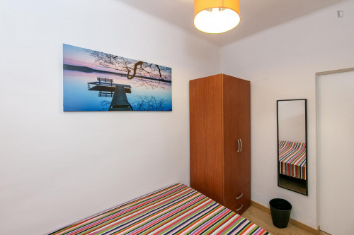 Very nice double bedroom near the Virrei Amat metro  - Gallery -  5