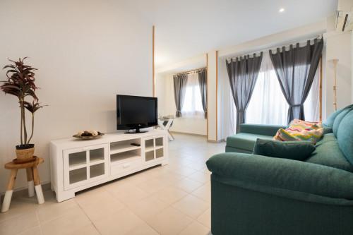 Very stylish 2-bedroom apartment in El Baix Guinardó  - Gallery -  3