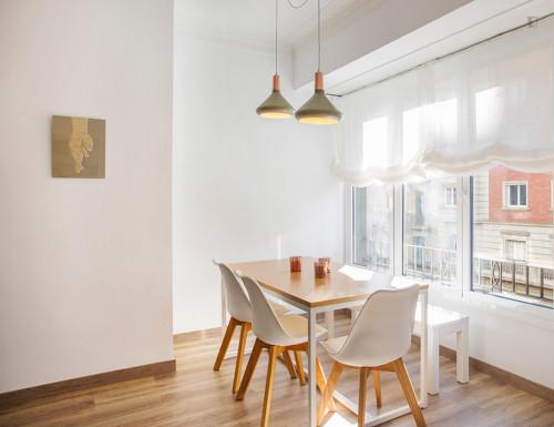 Very elegant 2-bedroom apartment in El Poble-sec  - Gallery -  8