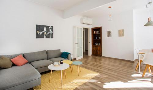Very elegant 2-bedroom apartment in El Poble-sec  - Gallery -  6