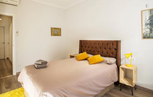 Very elegant 2-bedroom apartment in El Poble-sec  - Gallery -  3