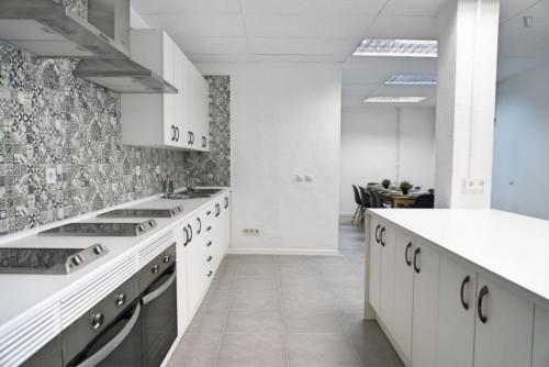 Welcoming single bedroom in large flat, near Universidad Nebrija  - Gallery -  4