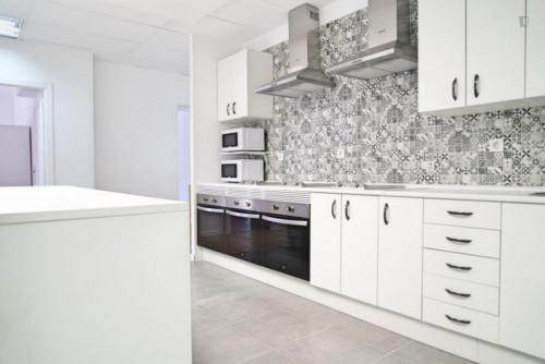 Welcoming single bedroom in large flat, near Universidad Nebrija  - Gallery -  6