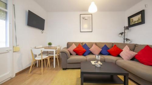 Welcoming single bedroom near the Santa Eulàlia metro  - Gallery -  5