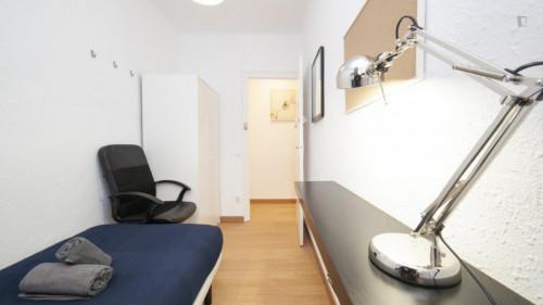 Welcoming single bedroom near the Santa Eulàlia metro  - Gallery -  2